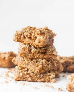 Healthy Apple Crisp Bars